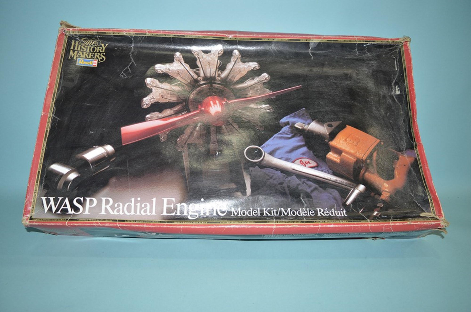 Revelle model constructor kit: The History Makers red box, WASP Radial Engine, limited production series.