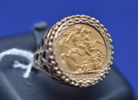 Lot 69 - A George V gold sovereign, 1925, in 9ct....