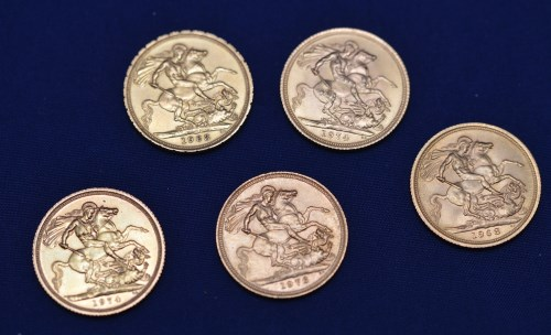 Lot 133-Five Elizabeth II gold sovereigns, dates include: ...