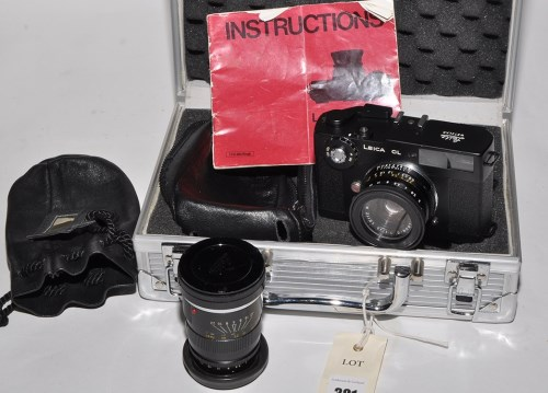 Lot 381-A Leica CL rangefinder camera, with Summicron...