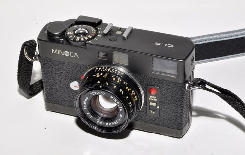 Lot 382-A Minolta CLE rangefinder camera, fitted Rokkor...