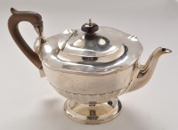 Lot 1044 - A George V teapot, by Oldfield Ltd.,...