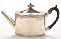 Lot 1090 - A George III teapot, by William Plummer,...