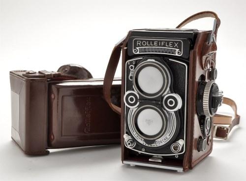 Lot 825-A Rolleiflex F 3.5 twin lens reflex camera,...