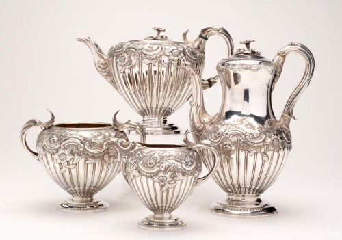 Lot 609-A William IV three-piece tea service with similar ...