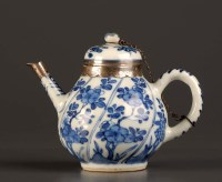 Lot 6 - An 18th Century blue and white teapot, Kangxi...