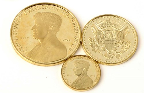 Lot 819-A set of five 1965 Congo gold coins, to include:...