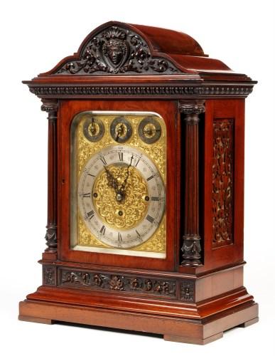 Lot 1215 - An Edwardian mahogany chiming bracket clock,...