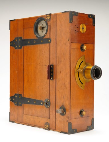 Lot 971-A Moy & Bastie 35mm motion picture camera, c.1909,...