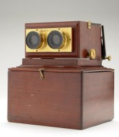 Lot 488-A late 19th Century mahogany stereoscope viewer,...