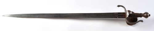 Lot 1075-A 17th Century German rapier, the tapering double ...