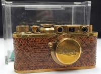 Lot 1154-A replica Leica Luxus with gold coloured metal...