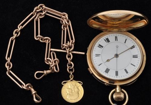 Lot 814 - A George V 18ct. gold cased crown wind hunter...