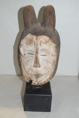 Lot 183-A West African fang mask, Gabon, white painted...