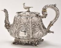 Lot 440 - A William IV silver teapot, by Sebastian...