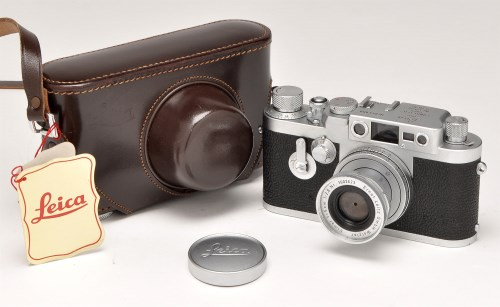 Lot 370-A Leica IIIg rangefinder camera, Serial No....