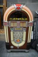 Lot 60 - A Wurlitzer Type CD-K-99 Jukebox, Model No....