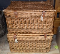 Lot 76 - A pair of rectangular baskets with rope...