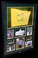 Lot 95 - A white leather golf glove signed by Seve Ballesteros
