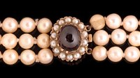 763 - Three strand pearl necklace