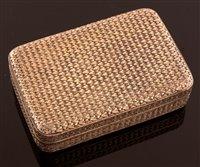Lot 639 - George III snuff box
