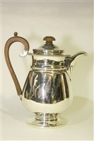 Lot 602 - George IV silver hot water jug