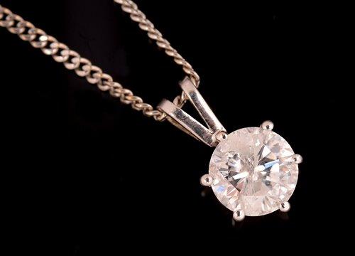 Lot 822 - Diamond pendant