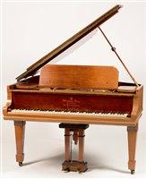695 - Steinway boudoir grand piano