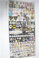 Lot 1568 - Vintage buttons and pins