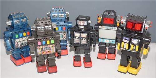 Lot 1040-Six plastic Robots