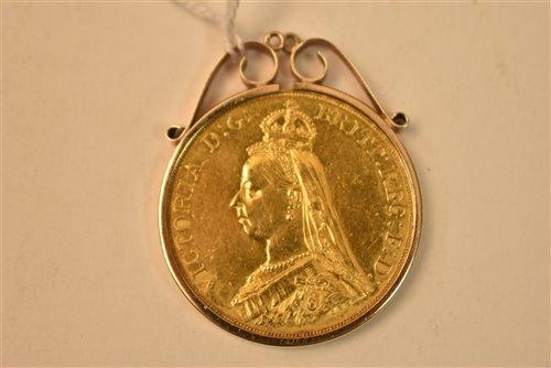 131 - Queen Victoria £5 gold coin