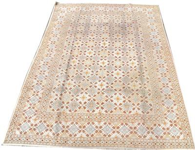 Lot 674 - Kashan carpet