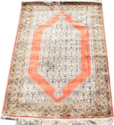 Lot 679 - Silk rug