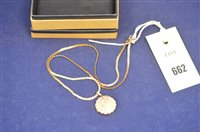 Lot 662 - 9ct pendant and chain