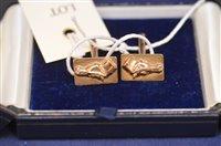 Lot 712 - 9ct gold cufflinks