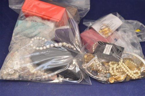 Lot 331-Costume jewellery