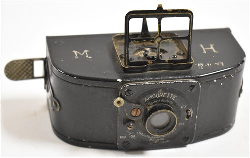 Lot 123-An Amourette camera