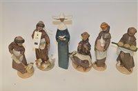 Lot 866 - Lladro figures