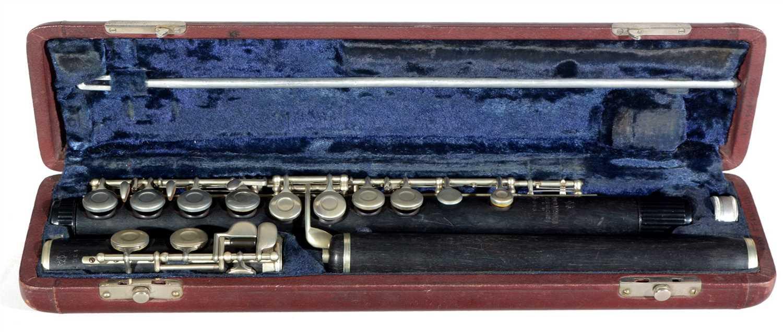 Lot 1-Flute Gebruder Monnig, cased