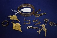 Lot 289-Gold and yellow metal jewellery