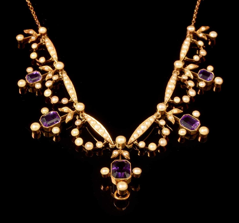 Lot 569-Edwardian necklace