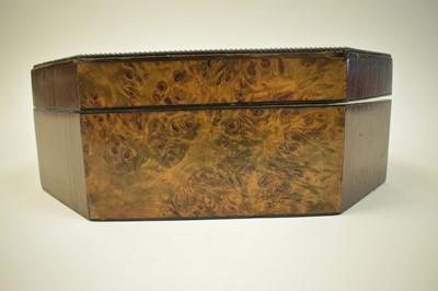 Lot 986 - An early 19th century memoriam box
