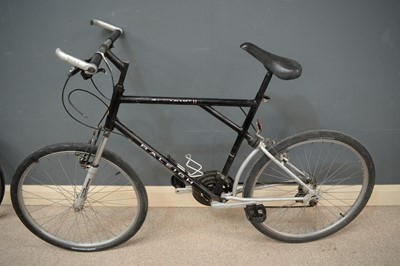 Lot 714 - A Raleigh hybrid Activator II road bicycle.