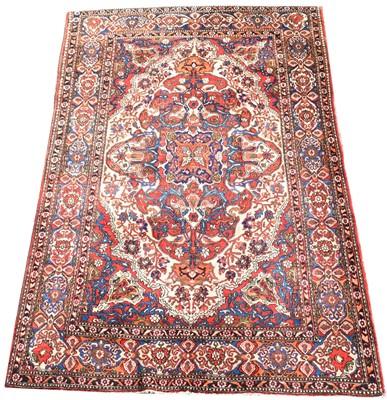 Lot 698 - Isfahan rug