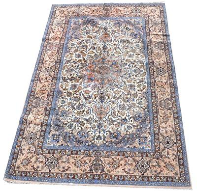 Lot 721 - Isfahan carpet