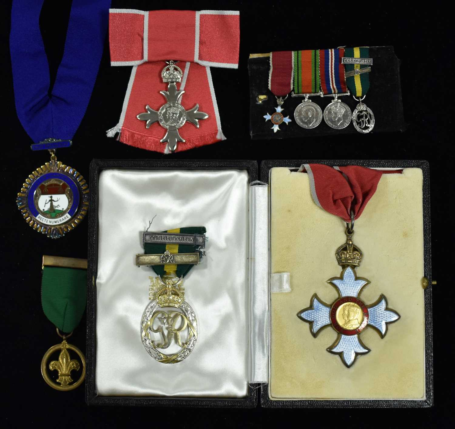Lot 1502-Medals of Sir Robert (Robin) Chapman and