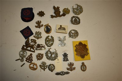 Lot 6-Military cap badges
