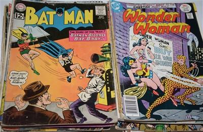 Lot 1115 - Various DC comics.