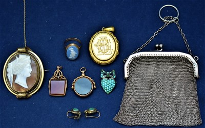 Lot 727 - Wedgwood jasperware ring and other items