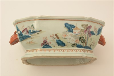 Lot 462-Chinese export Famille Rose tureen, Qianlong